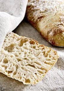 Brötchen sind dank Brot backen in Perfektion mit Sauerteig kein Problem