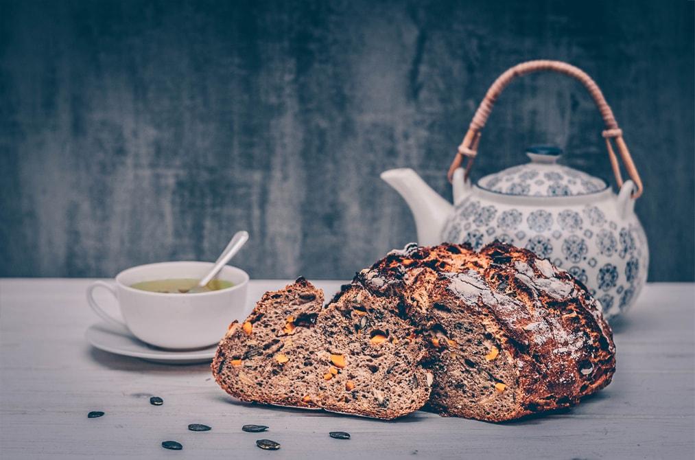 Fertig gebackenes Match Brot Rezept