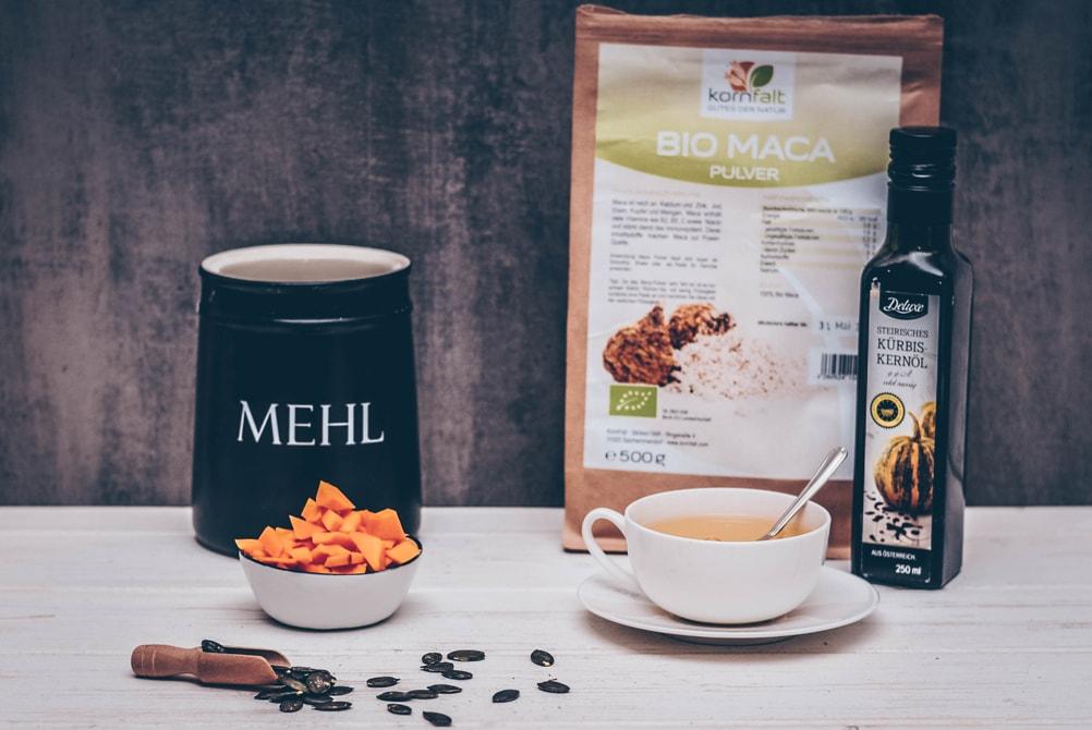 Matcha Brot Rezept mit grünem Tee und Kürbiswürfeln